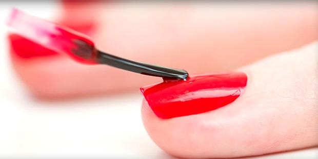 Flip The Manicure, The New Nail Art Trend
