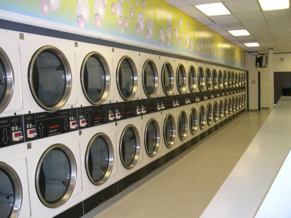 Buying A Laundromat: 5 Factors To Consider