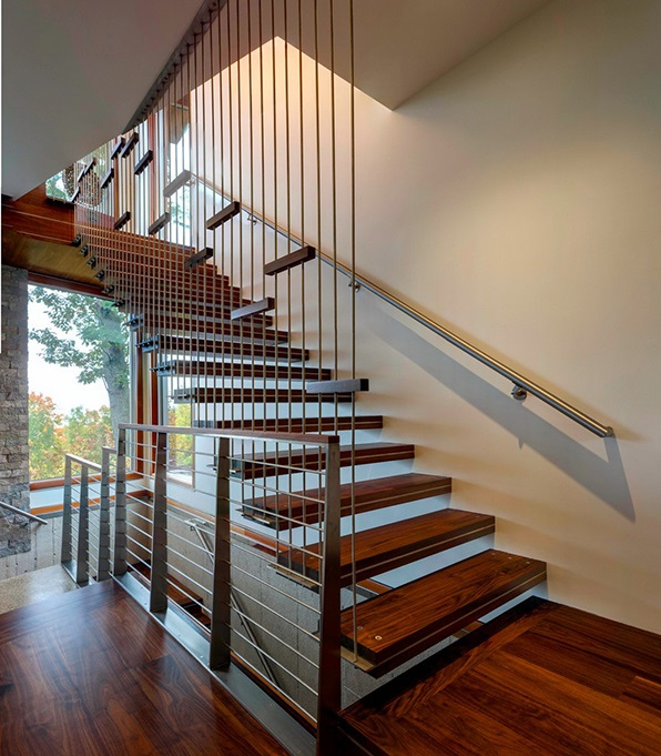 Why To Prefer Cantilevered Stair For Small Houses?