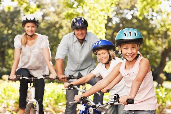 family-on-bikes