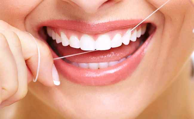 5 Effective Ways To Keep Your Teeth and Gums Healthy