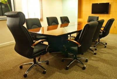 A Look At The Major Benefits Of Buying Used Furniture For Your Office