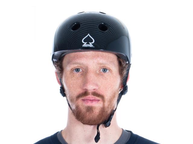 Pro Tec Classic Helmet Taht Ensure Safety While Driving A Bike