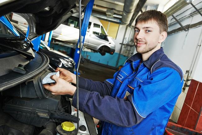 car maintenance – air filter replacing