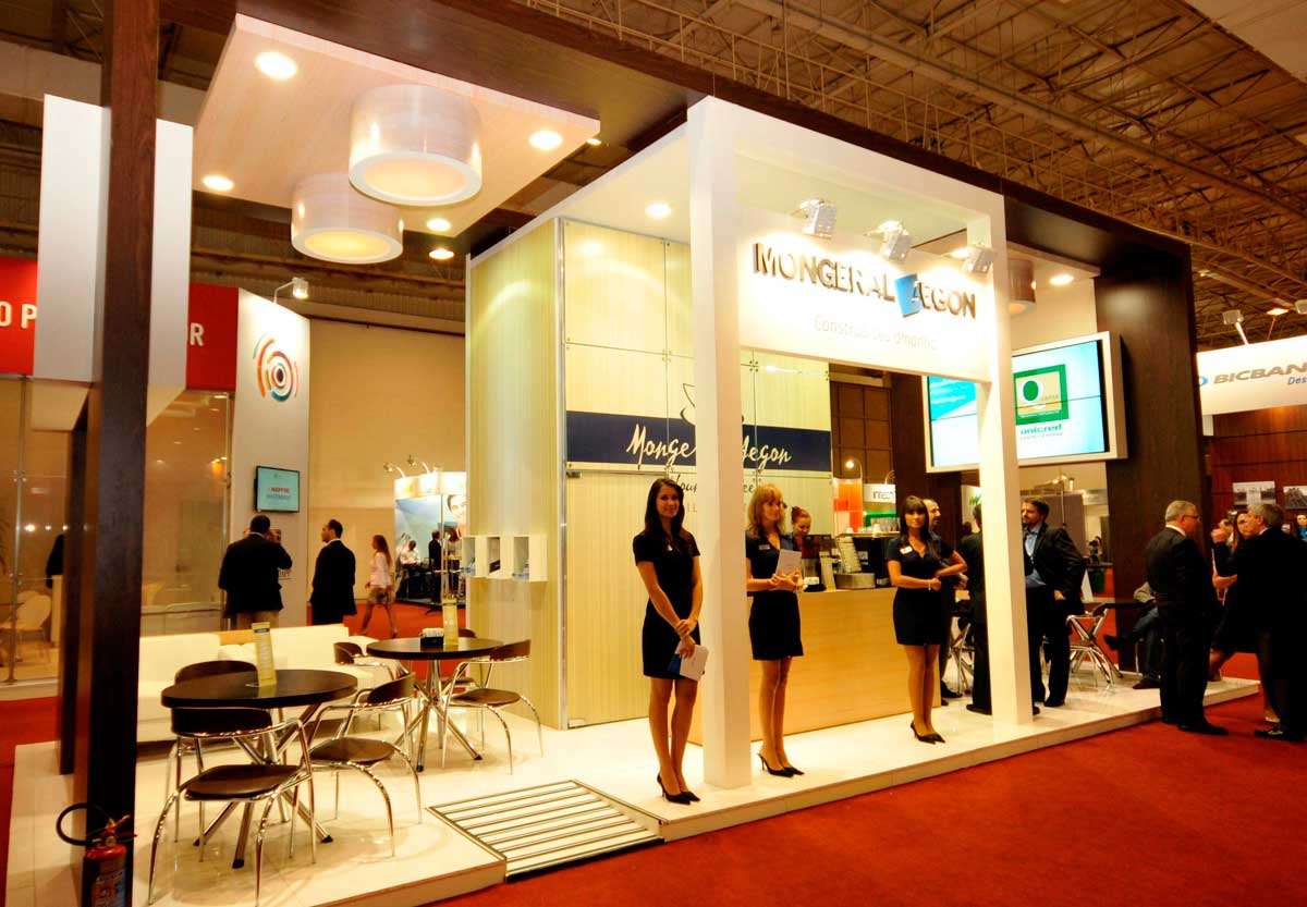 How Professionals Can Help With Your Booth