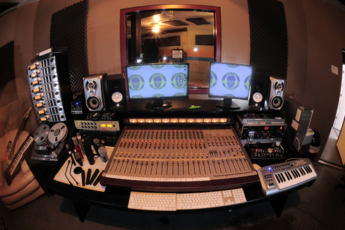 Common Mistakes To Avoid When You Record Your Own Album