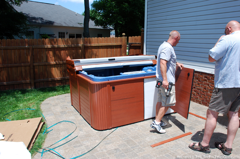 removing-side-panels-of-hot-tub