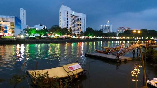 The Best Way To Visit The Kuching Waterfront