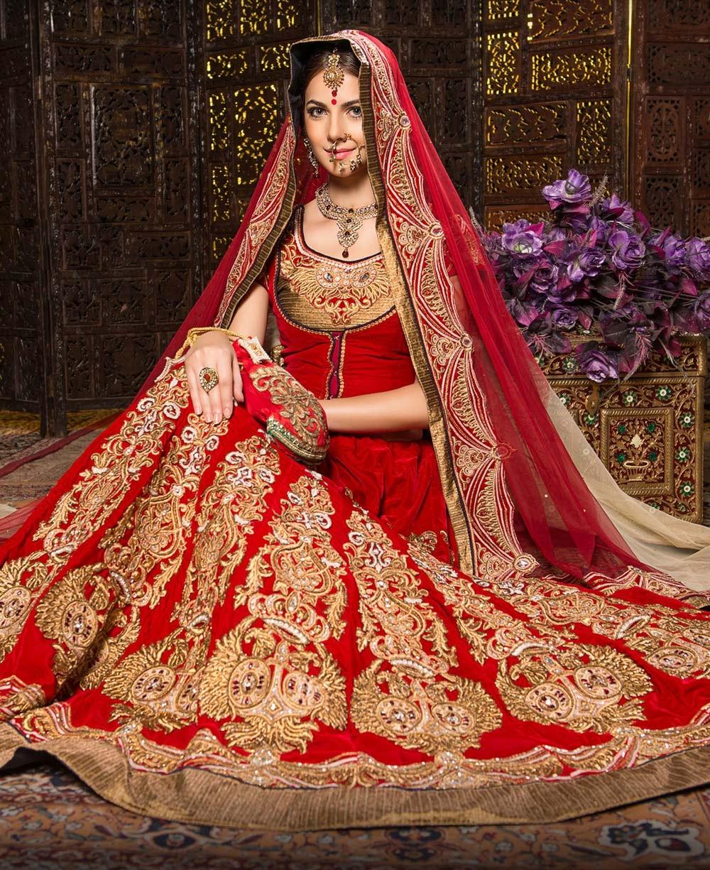 red-designer-bridal-lengha-in-velvet-ce0642-035