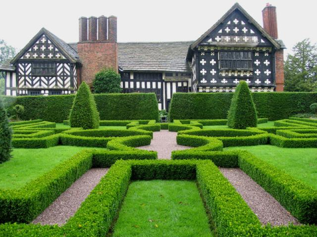 Knot_Garden_at_Little_Moreton_Hall,_Cheshire_-_geograph.org.uk_-_1527