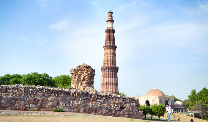 Visit The Magnificent Qutub Minar In Delhi