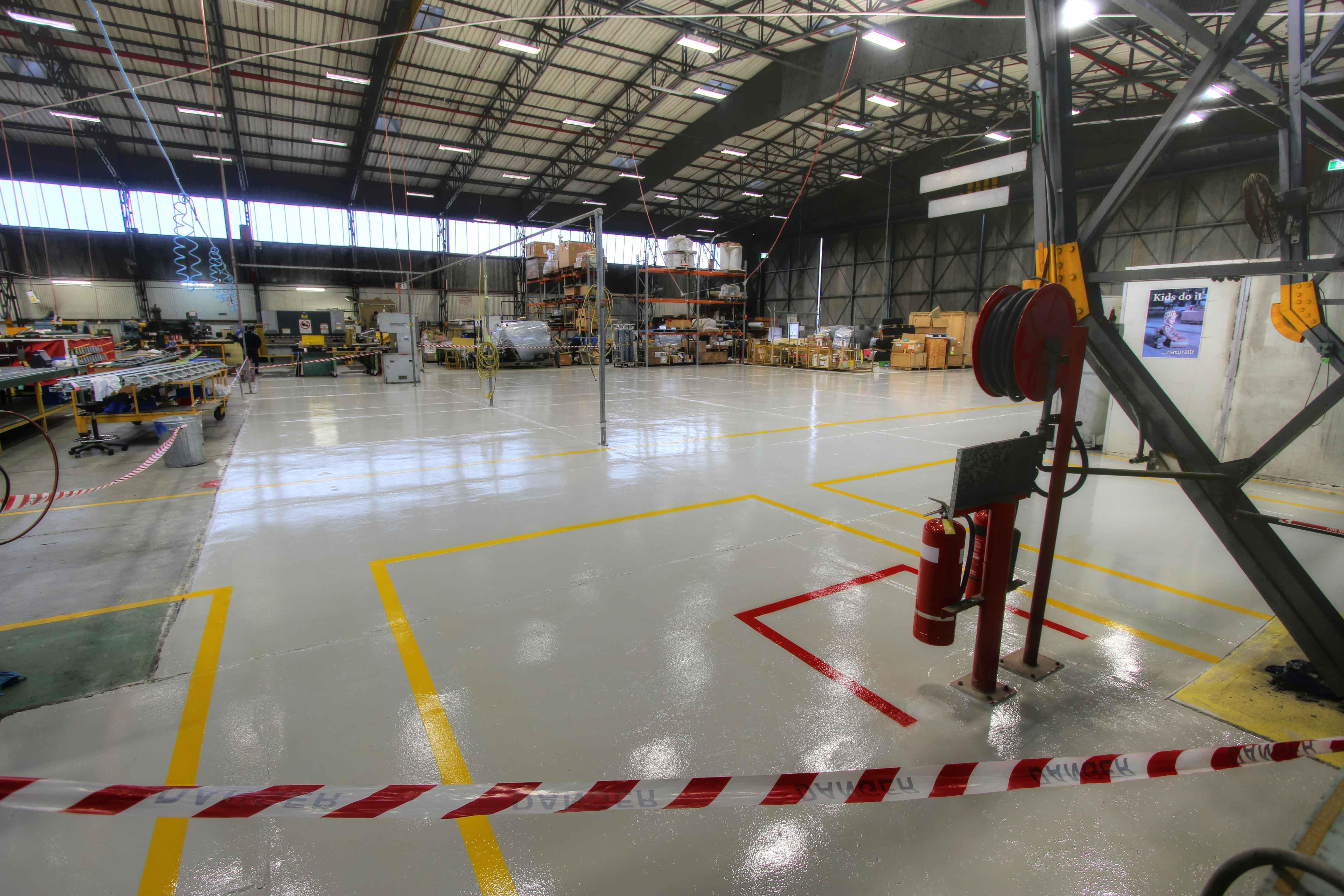 hangar-0611-101