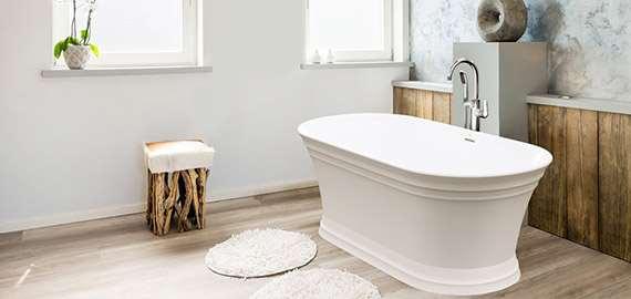 jacuzzi-bathtub-and-mat