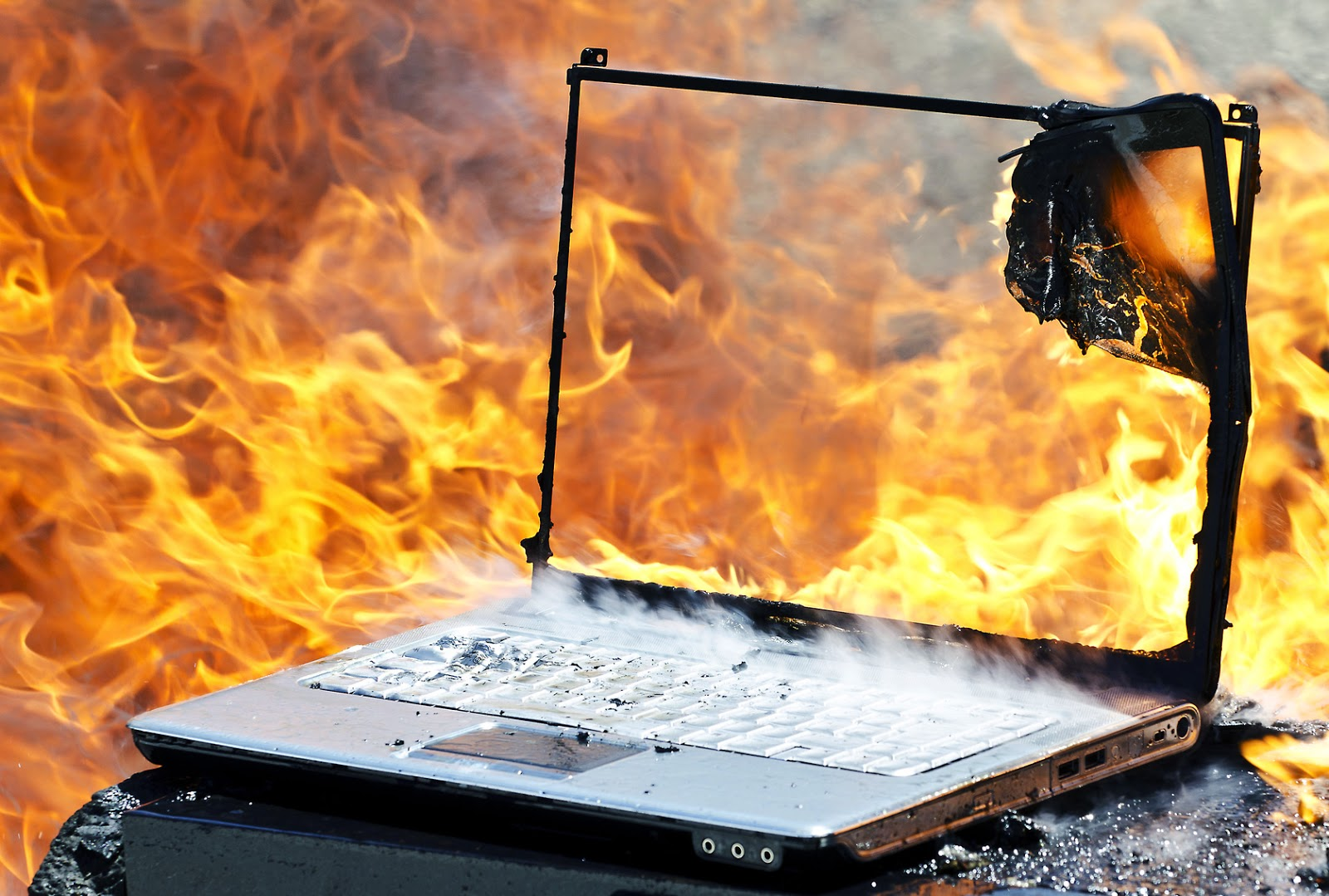 Avoid The Blaze: Top 5 Fire Risks To Your Business