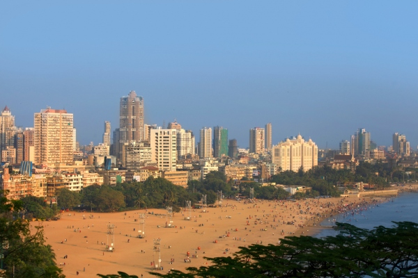 Top 5 Mumbai Beaches To Treat the Water Baby In You