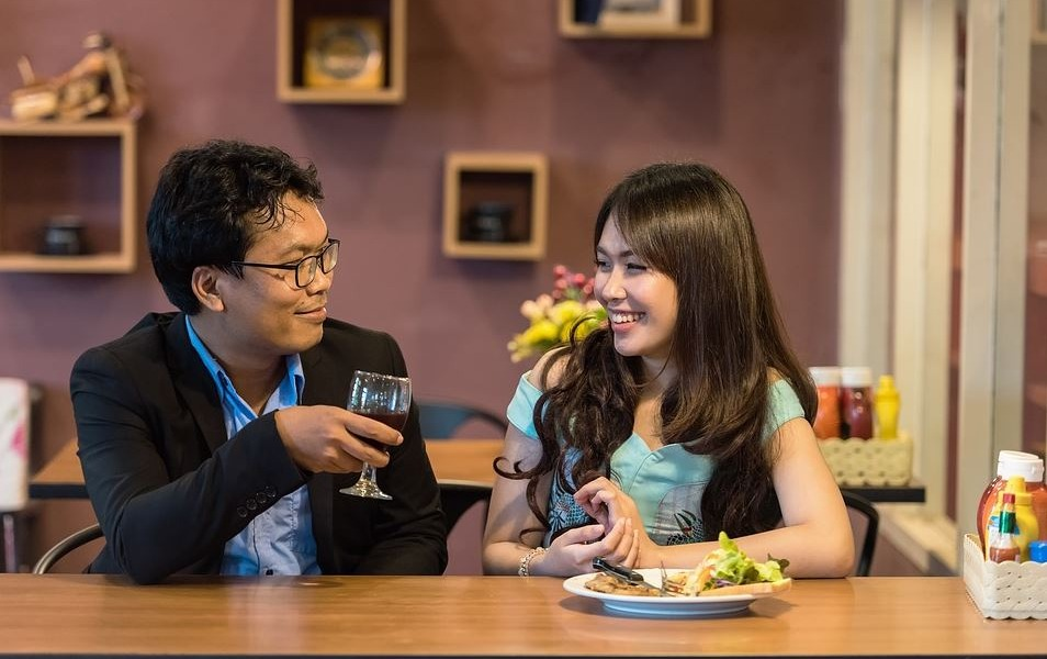 Restaurant AC: How Comfort Plays Into Customer Frequency