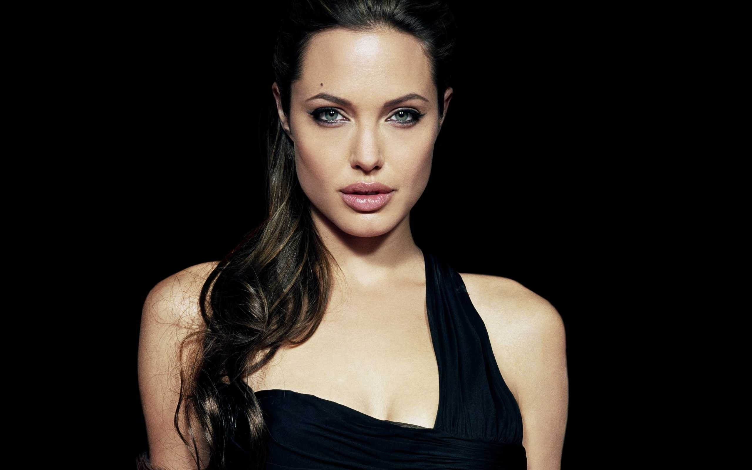 Beautiful Celebrities Wallpapers {Pack-70} (24)