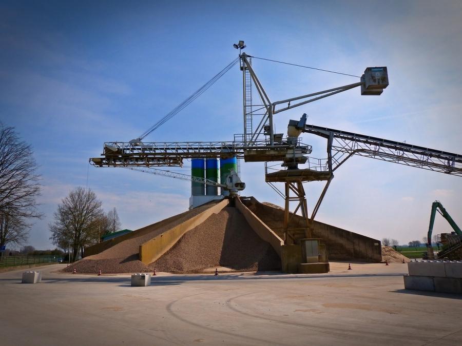 Conveyor Belt Systems: 6 Ways to Improve Efficiency