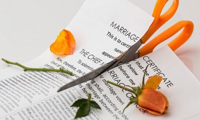 How Can A Divorce Lawyer Help You Get Through Divorce?